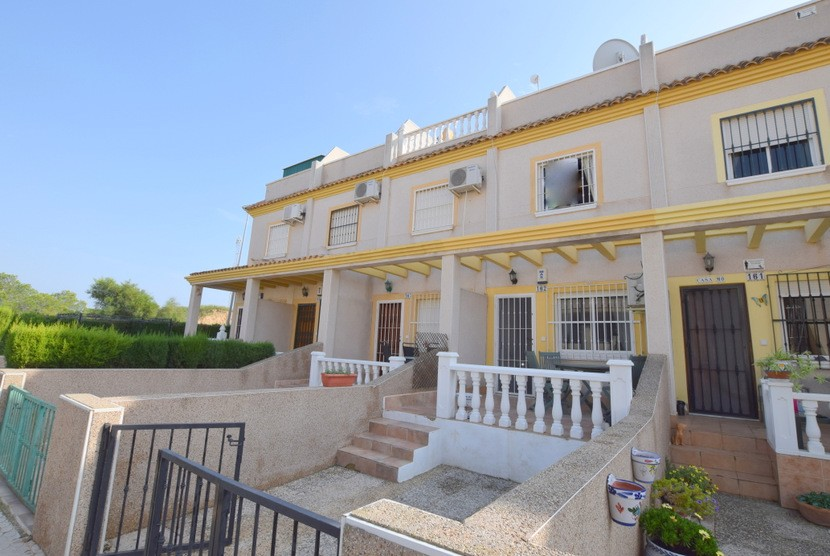 For sale: 3 bedroom house / villa in Villamartin