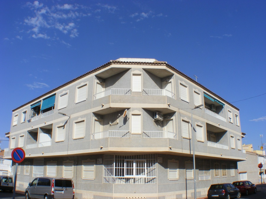 For sale: 2 bedroom apartment / flat in Sax, Costa Blanca