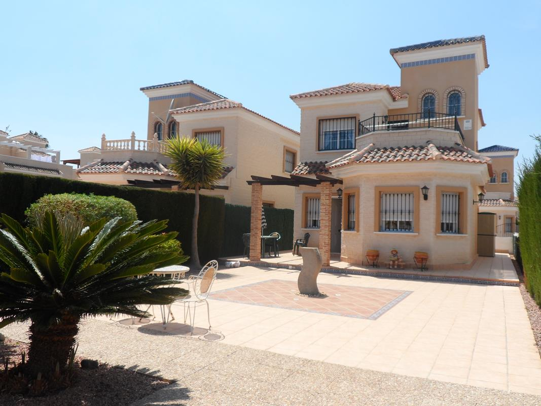 For sale: 3 bedroom house / villa in El Raso, Costa Blanca