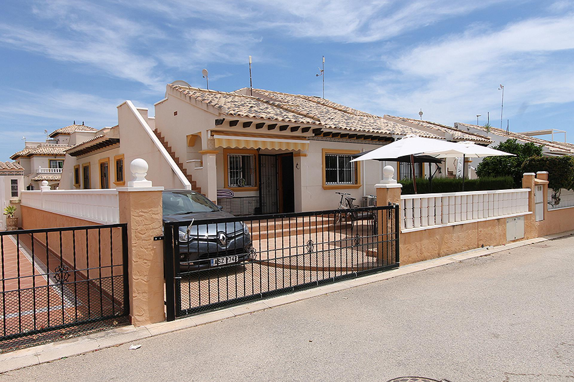 For sale: 2 bedroom bungalow in Cabo Roig, Costa Blanca