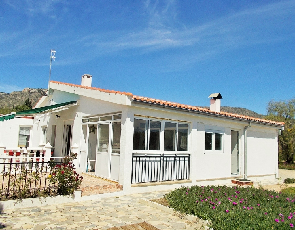 For sale: 4 bedroom finca in Salinas, Costa Blanca