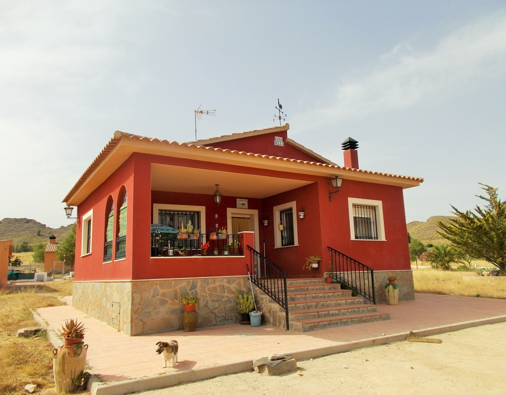 For sale: 3 bedroom finca in Yecla