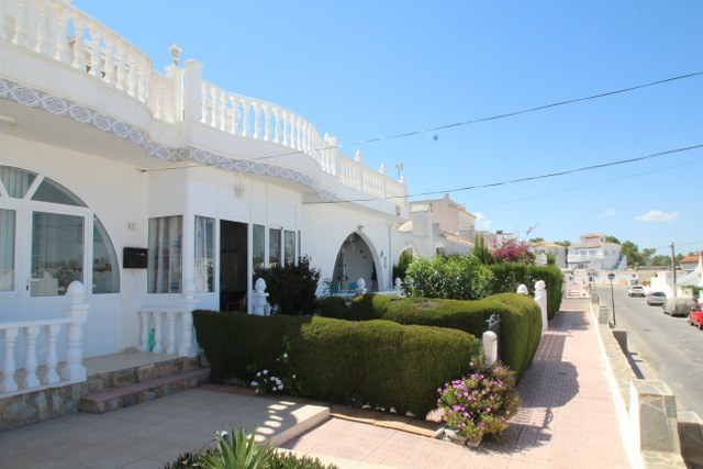 For sale: 2 bedroom house / villa in Villamartin