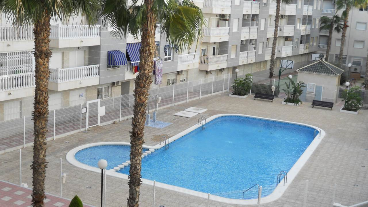 For sale: 2 bedroom apartment / flat in Torrevieja, Costa Blanca