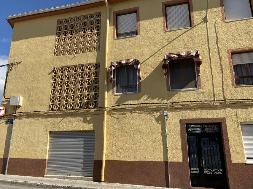 For sale: 4 bedroom apartment / flat in Sax, Costa Blanca
