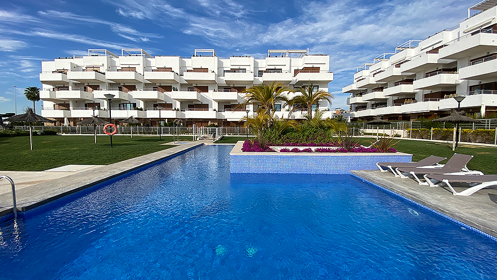For sale: 2 bedroom apartment / flat in Cabo Roig