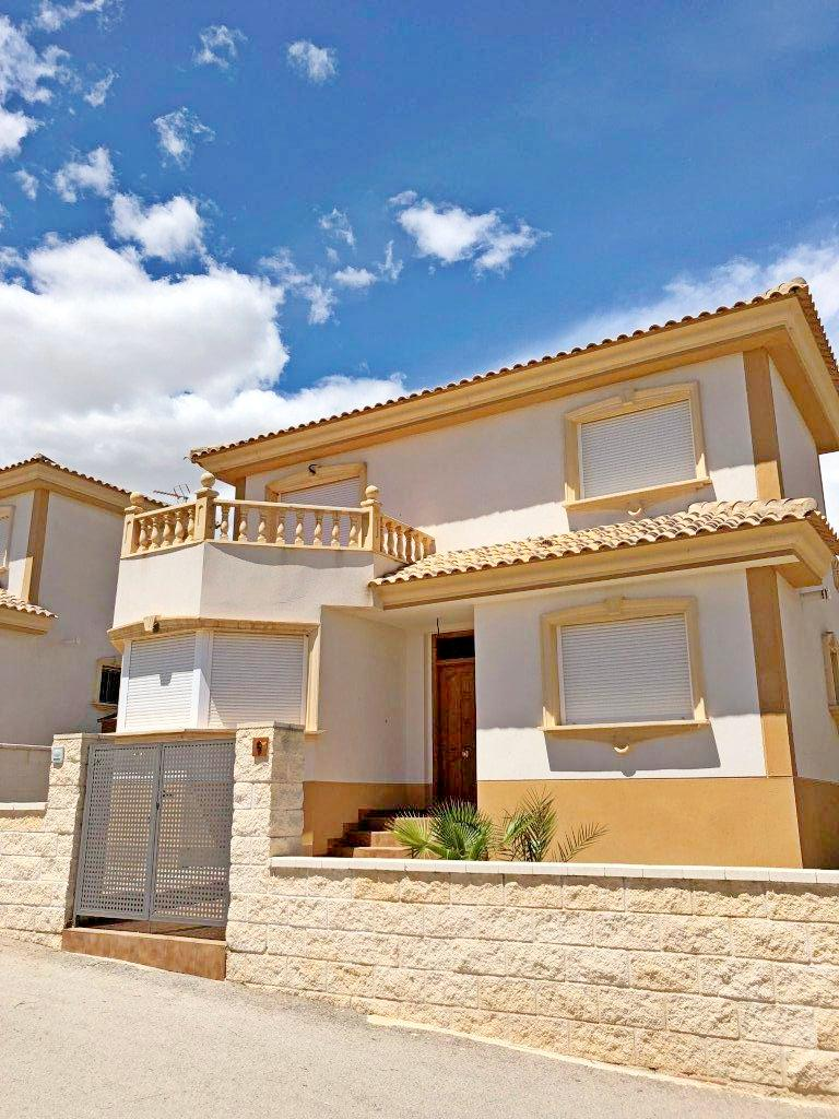 For sale: 3 bedroom house / villa in Fortuna