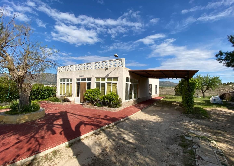 For sale: 3 bedroom house / villa in Salinas