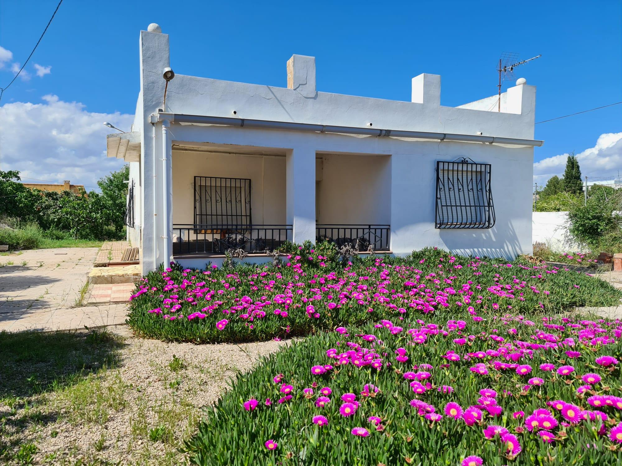 3 bedroom house / villa for sale in Sax, Costa Blanca