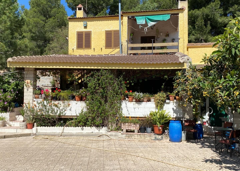 For sale: 4 bedroom house / villa in Elda, Costa Blanca