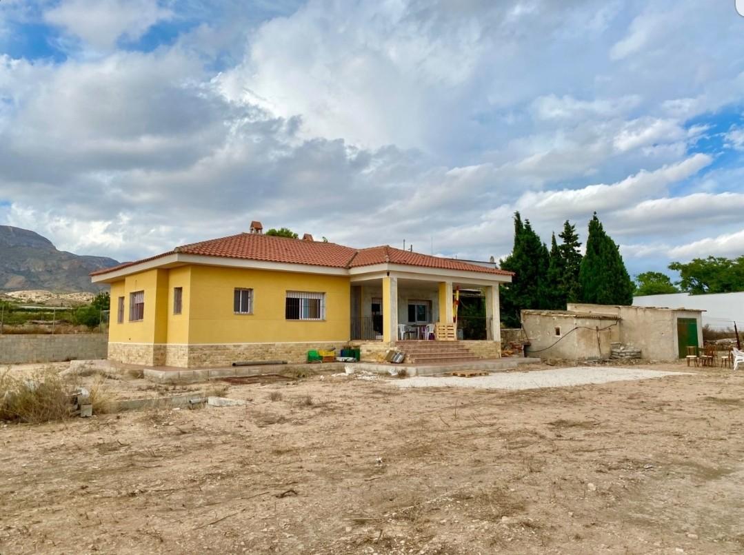 5 bedroom finca for sale in Monforte del Cid, Costa Blanca