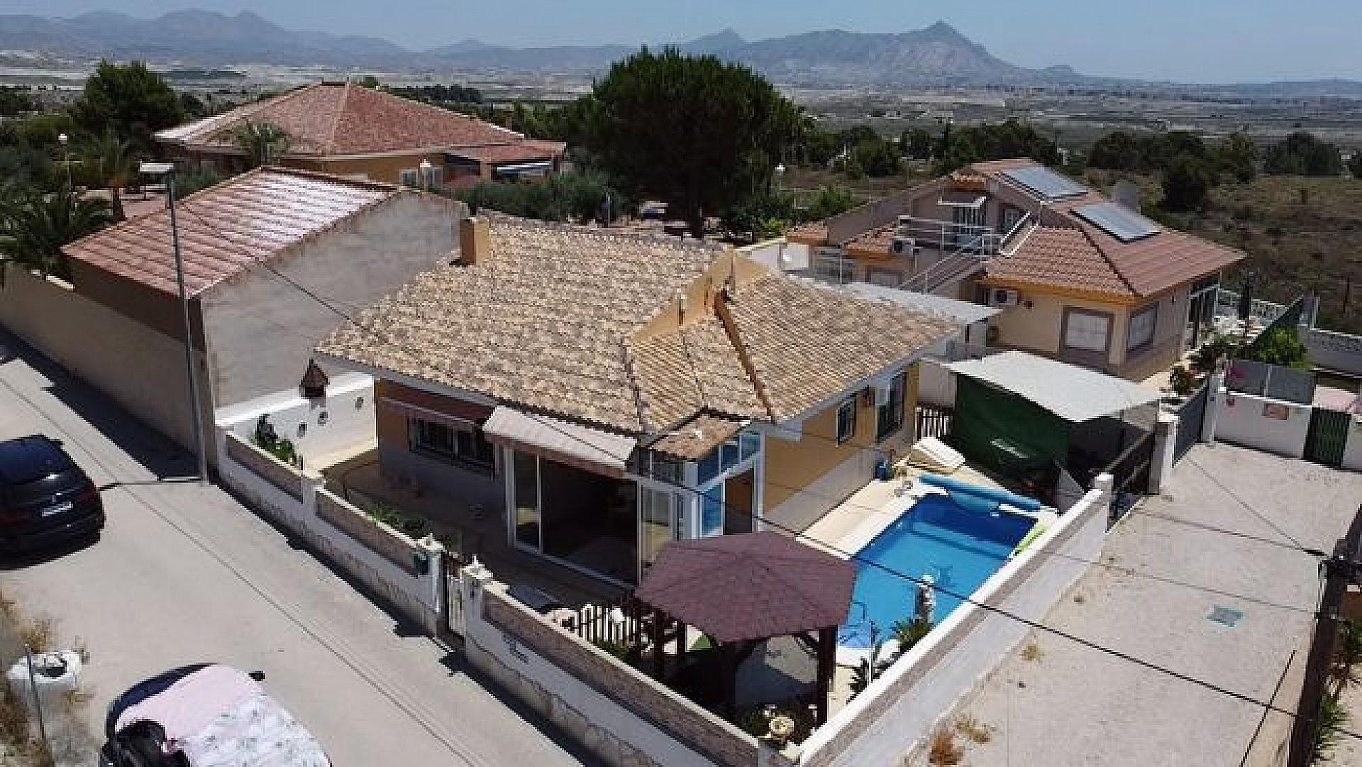 For sale: 2 bedroom house / villa in Fortuna